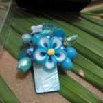 Bros manik kerang biru