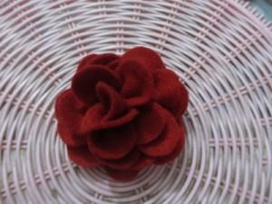 Bros Korsase Mawar Merah