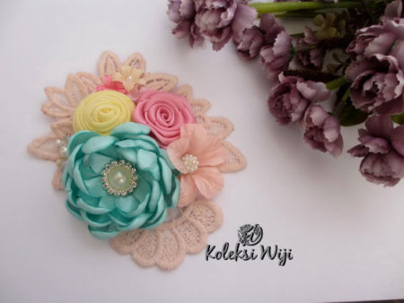 sweet-safea-brooch-pastel