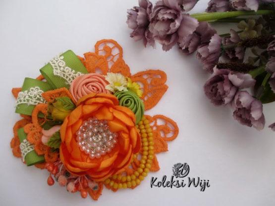 nomea-brooch-orange