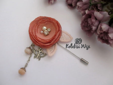 Jovanka-flowers-pins