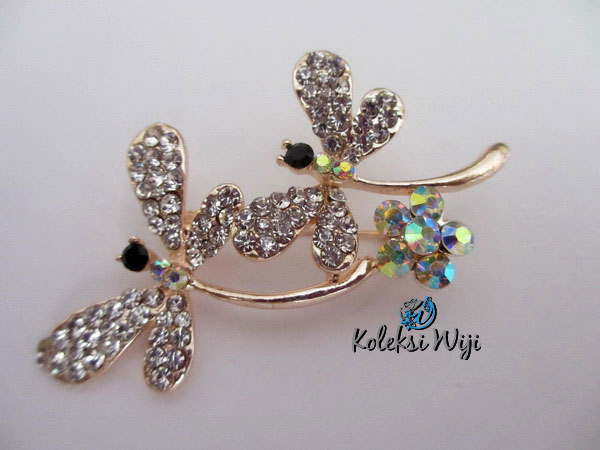 twins-dragonfly-brooch