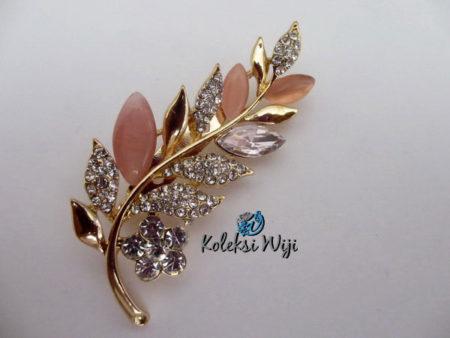 leave-flowers-mega-brooch