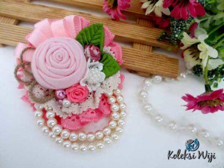 rose-julia-brooch
