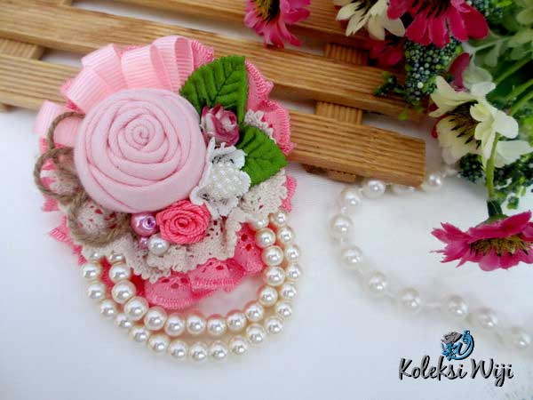 rose-julia-brooch