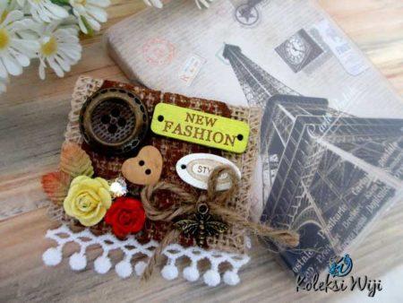 erika-button-brooch
