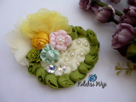 green-karin-brooch