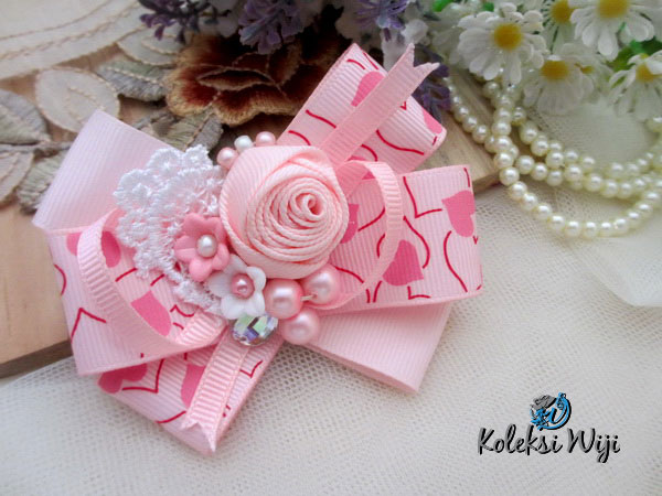 the-magical-pink-brooch