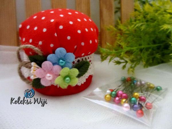 red-mushroom-pincushion