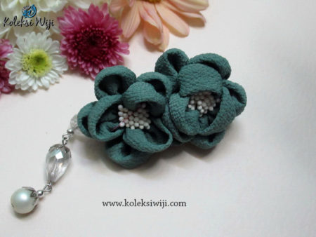 Yurie Brooch Series Pale Tosca