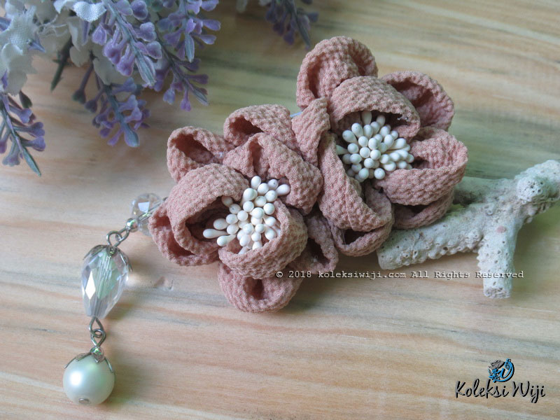 Yurie Brooch Series Cappuchino