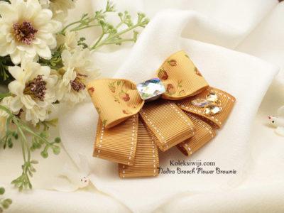 Nadira Brooch Flowers Brownie