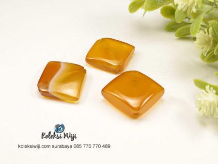 1 Buah Batu Manau Ketupat Kuning 2 cm BT27