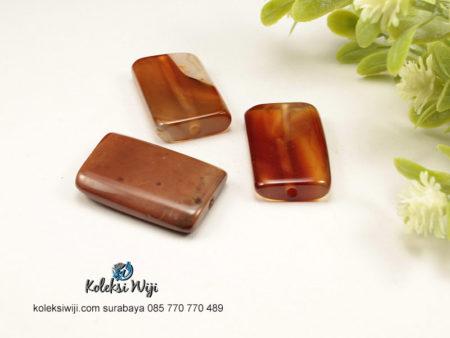 1 Buah Batu Manau Persegi Coklat 1,8 x 2,7 cm BT16