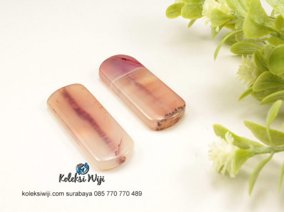 1 Buah Batu Manau Persegi Panjang Pink 1,4 x 4 cm BT2