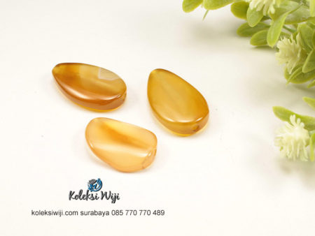 1 Buah Batu Manau Tetes Kuning 1,5 X 3 cm BT31