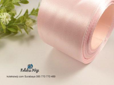 1 Roll Pita Satin 2 inch Atau 5 cm Soft Pink PT12