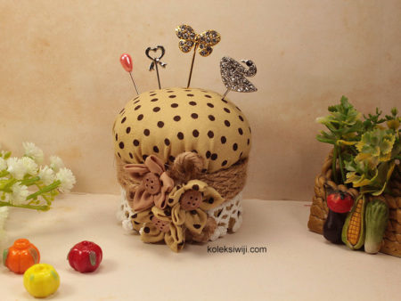 Lemony Pincushion-08