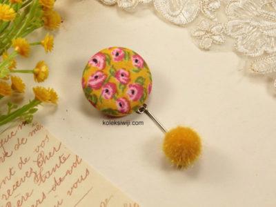 Nomea Pom-pom Button Brooch -13