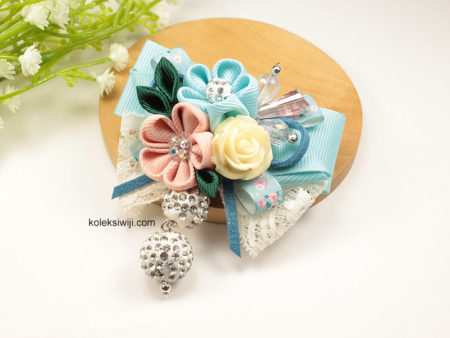 Yurino Flower Brooch-02