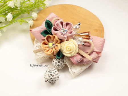 Yurino Flower Brooch-05