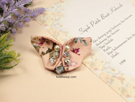 Vintage Butterfly Brooch-01