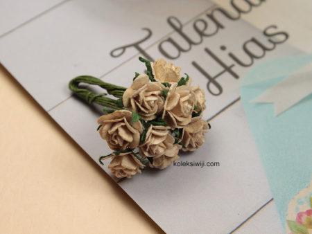 1 Ikat Aplikasi Bunga Kertas 1 cm Coklat Muda KS05