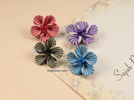 3 Buah Clay Bunga Garis 2 cm CY13