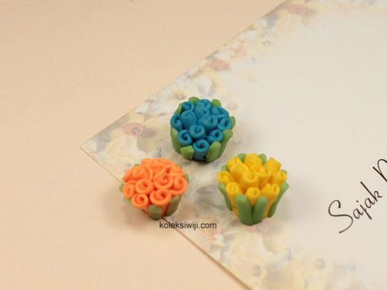 3 Buah Clay Bunga Keriting 1,5 cm CY9