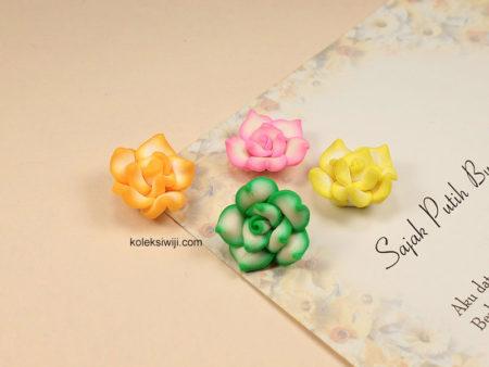 3 Buah Clay Bunga Mawar 2,2 cm CY20
