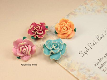 3 Buah Clay Bunga Mawar 2,5 cm CY15