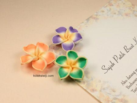 6 Buah Clay Bunga Kamboja 3 cm CY01