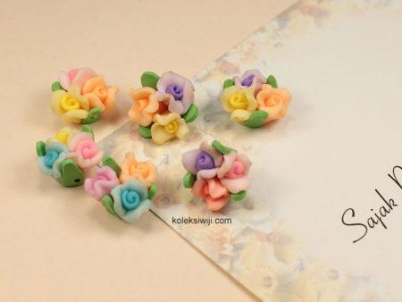 6 Buah Clay Bunga Mawar 1,5 cm CY11