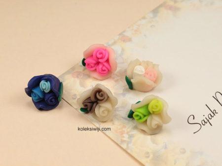 6 Buah Clay Bunga Mawar 2 cm CY4