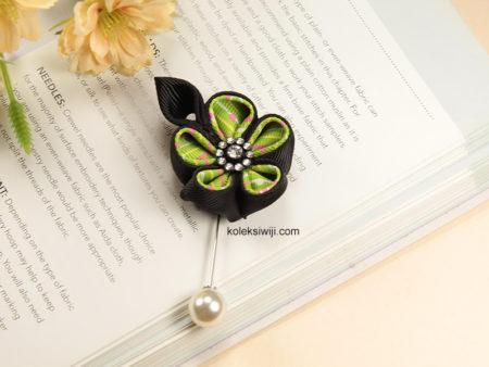 Frenka Green Pins-03