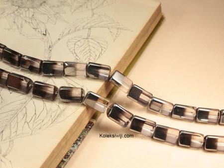 1 Untai 14 Manik Kaca Segitiga Ungu Silver 2 cm K130