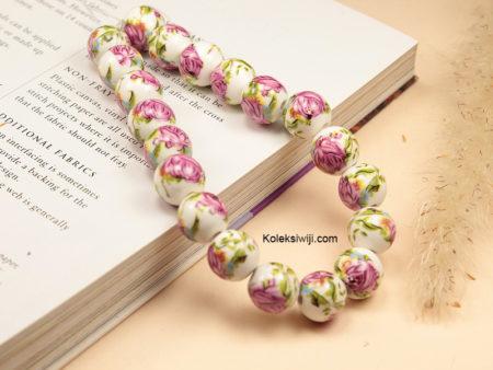 1 Untai Manik Keramik Motif Bunga Pink Keunguan 10 mm K121