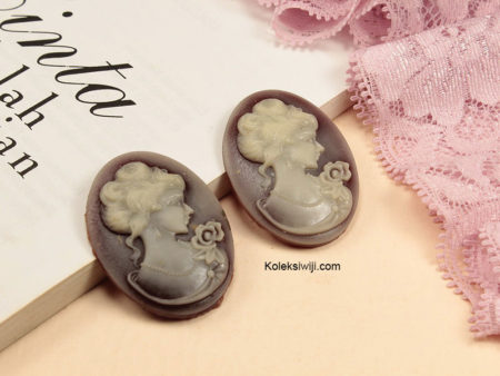 1 Buah Resin Cameo Vintage Coklat Pucat RS14