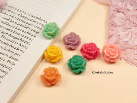 10 Buah Resin Bunga Mawar 1 cm RS89