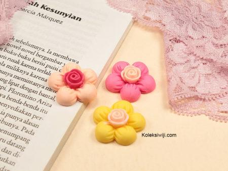 2 Buah Resin Bunga Sakura 3 cm RS41