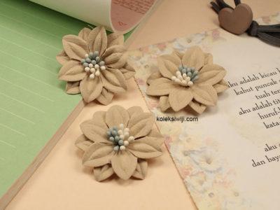 1 Buah Bunga Suede Creame 4 cm IK59