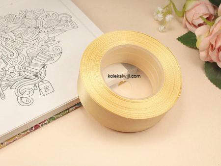 1 Roll Pita Satin 2,5 cm Creame Tua PT86