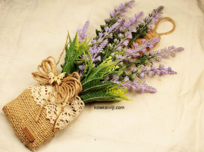 Bunga Pajangan Dinding Lavender